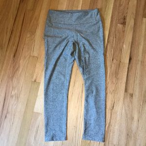 Outdoor Voices - 3/4 length Warm Up Leggings